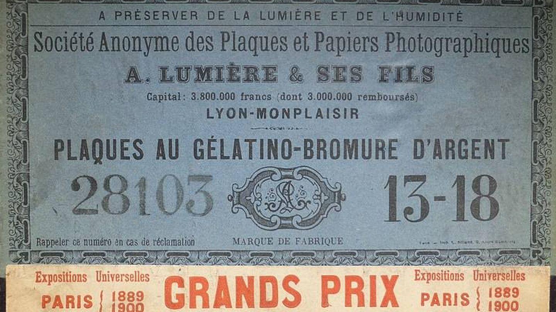 Cajas de placas secas de gelatino-bromuro de plata que se comercializaban en 1900 (Carlos Teixidor / Wikimedia)