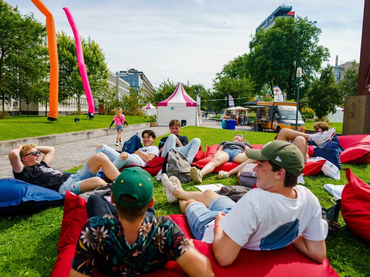 Foto: Estudiantes en La Haya, Países Bajos. (EFE)