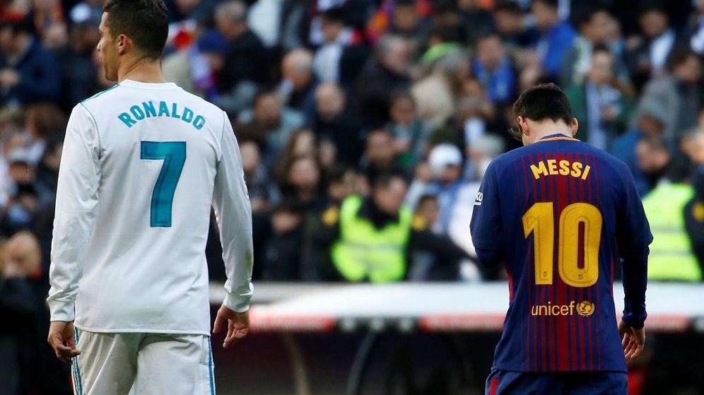 Foto: Cristiano y Messi, durante el último Real Madrid-Barcelona. (Reuters)