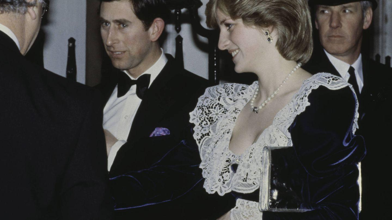 El príncipe Carlos y la princesa Diana, en 1982. (Getty)
