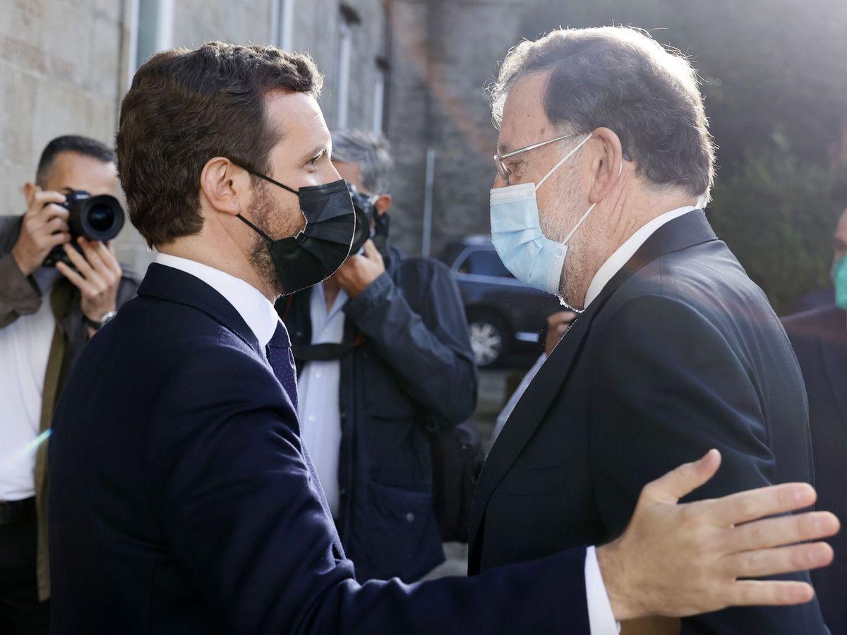 Foto: Pablo Casado y Mariano Rajoy en la inauguración de la convención. (EFE)
