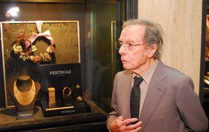 Muere Manuel Pertegaz, el hombre que vistió de novia a la reina Letizia