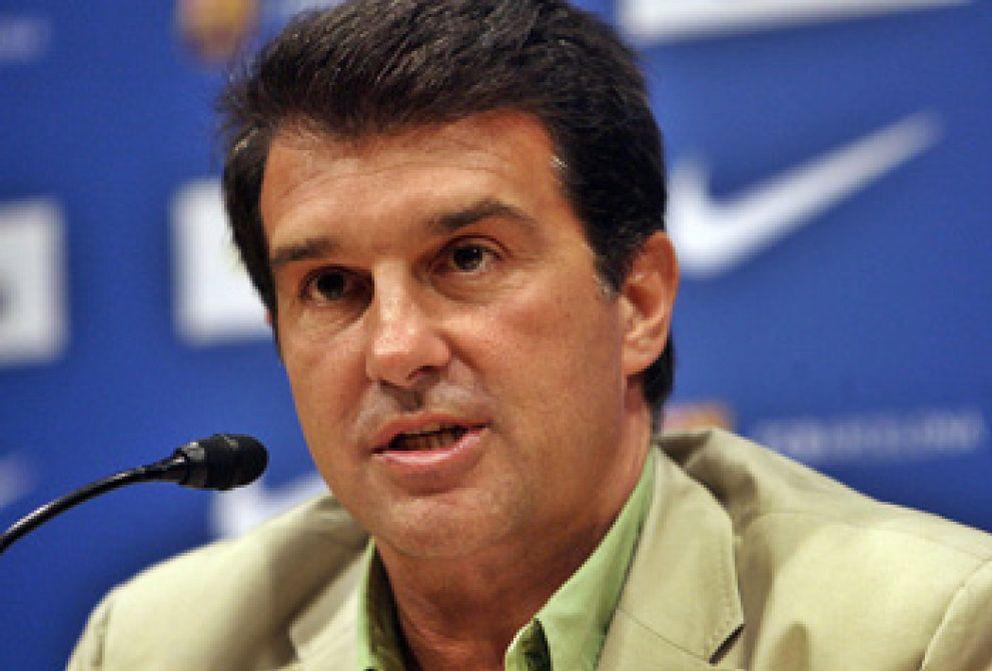 """Laporta ratifica a Rijkaard y asegura que al Madrid """"le dejará de salir todo"""""""