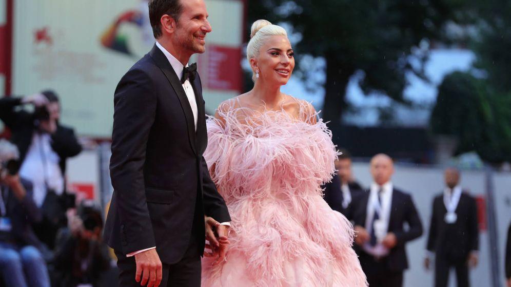Foto: Cooper y Gaga durante la promoción de la película. (Getty)