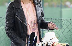 Elena Tablada arropa a su prima, la diseñadora Vanesa Lozano