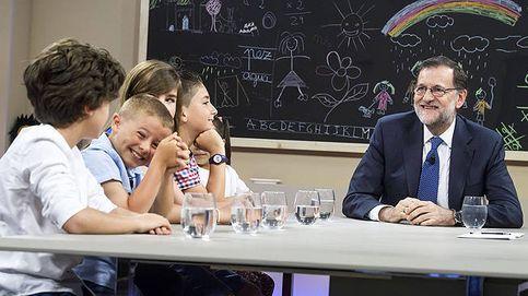 Rajoy compara política y fútbol: En los momentos importantes los equipos se unen