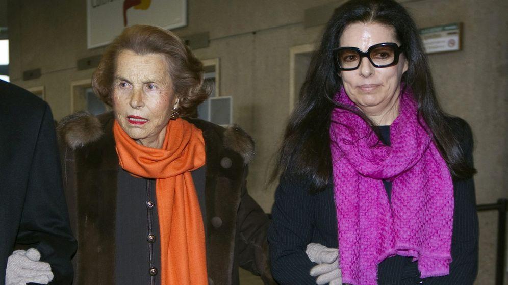 Foto: Liliane Bettencourt y su hija Françoise, en 2011. (Reuters)