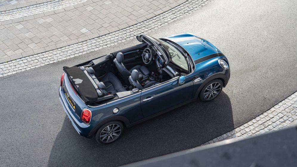 Foto: Mini Cabrio Sidewalk, un descapotable pequeño de cuatro plazas, pero con una terminación premium.