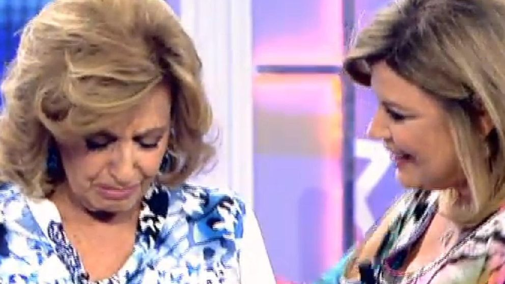 María Teresa Campos llora de emoción al ver su fiesta de cumpleaños