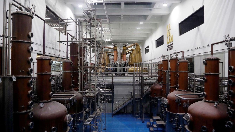 Una destilería canaria paraliza su producción de ron para hacer alcohol sanitario