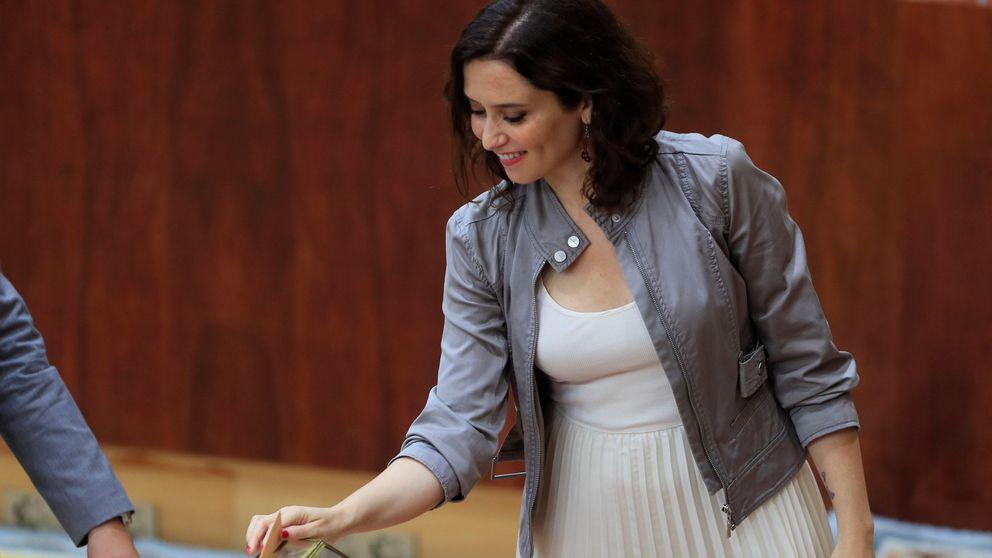 Isabel Díaz Ayuso debuta en la Asamblea de Madrid con un look de Begoña Gómez