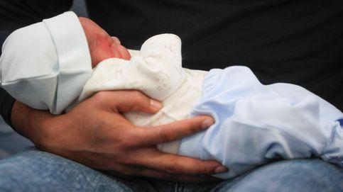 Carlos Dariel, madrileño, y Ariadna, valenciana, primeros bebés de 2020