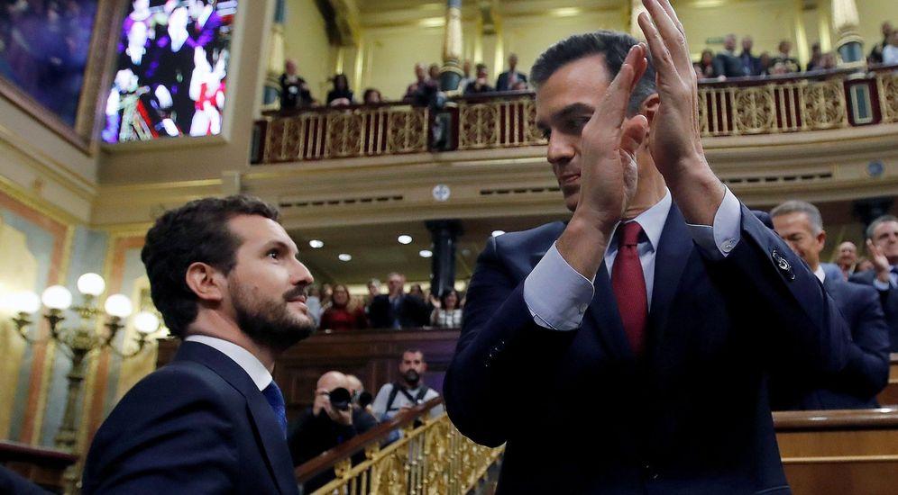 Foto: Pedro Sánchez y Pablo Casado, tras resultar investido el socialista presidente del Gobierno. (EFE)