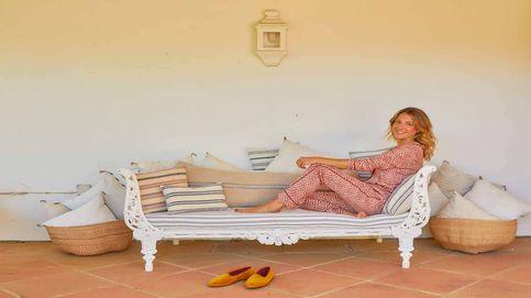 Lola Martínez Benjumea abre las puertas del hogar familiar de verano en  Sotogrande