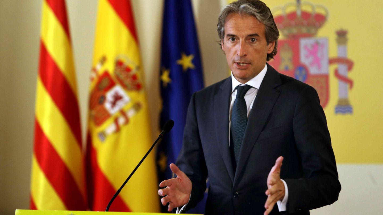 El ministro de Fomento anunció que el Gobierno estudiará las condiciones de los vigilantes de seguridad.