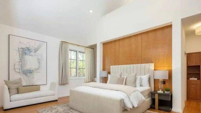 Una de las habitaciones de la mansión que Leonardo DiCaprio vende en Los Ángeles. (Realtor)