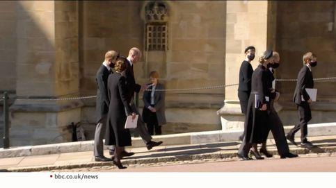 El duque de Edimburgo lo consigue: el acercamiento de Harry y Guillermo