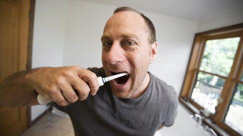 Una dentista explica por qué cuidas mal tus dientes y qué deberías hacer en su lugar