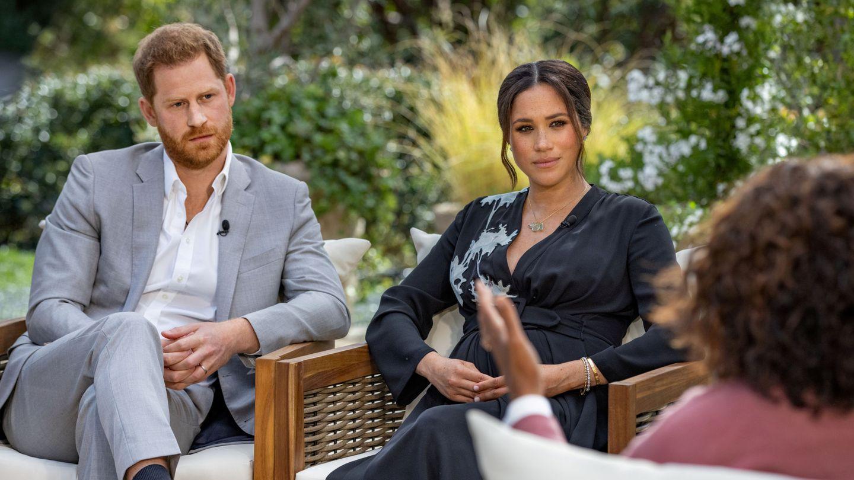 Meghan y Harry, durante la entrevista con Oprah. (Reuters)