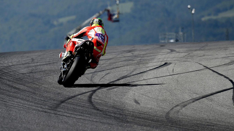 Foto: Iannone, con su Ducati, durante el Gran Premio de Italia. (EFE)