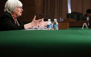 Los 'halcones' afilan sus garras en el estreno de Mrs. Yellen en la Fed