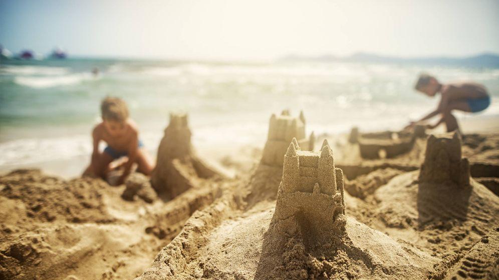 Foto: La playa, un lugar íntimamente conectado con nuestros primeros años. (iStock)