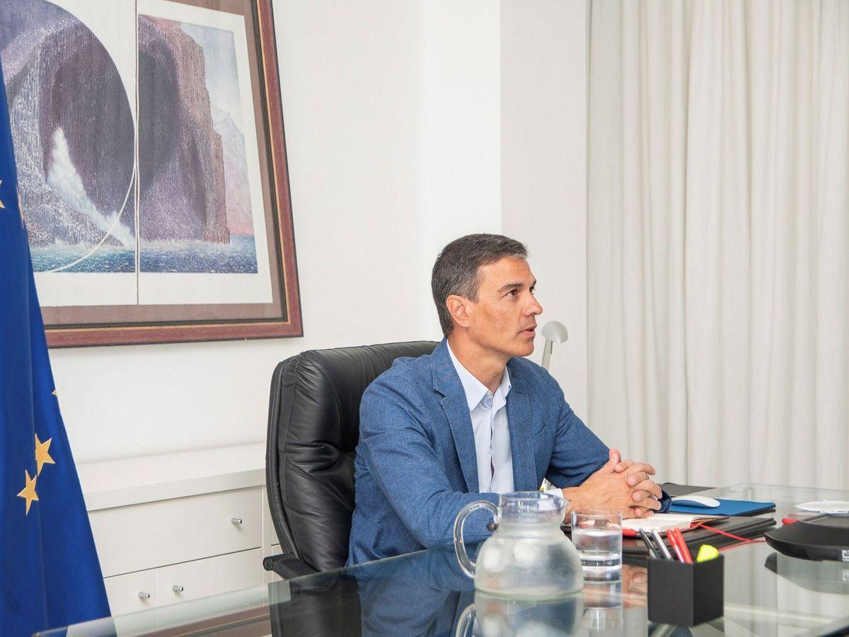 Foto: Pedro Sánchez en la reunión para coordinar las repatriaciones de Afganistán. (EFE)