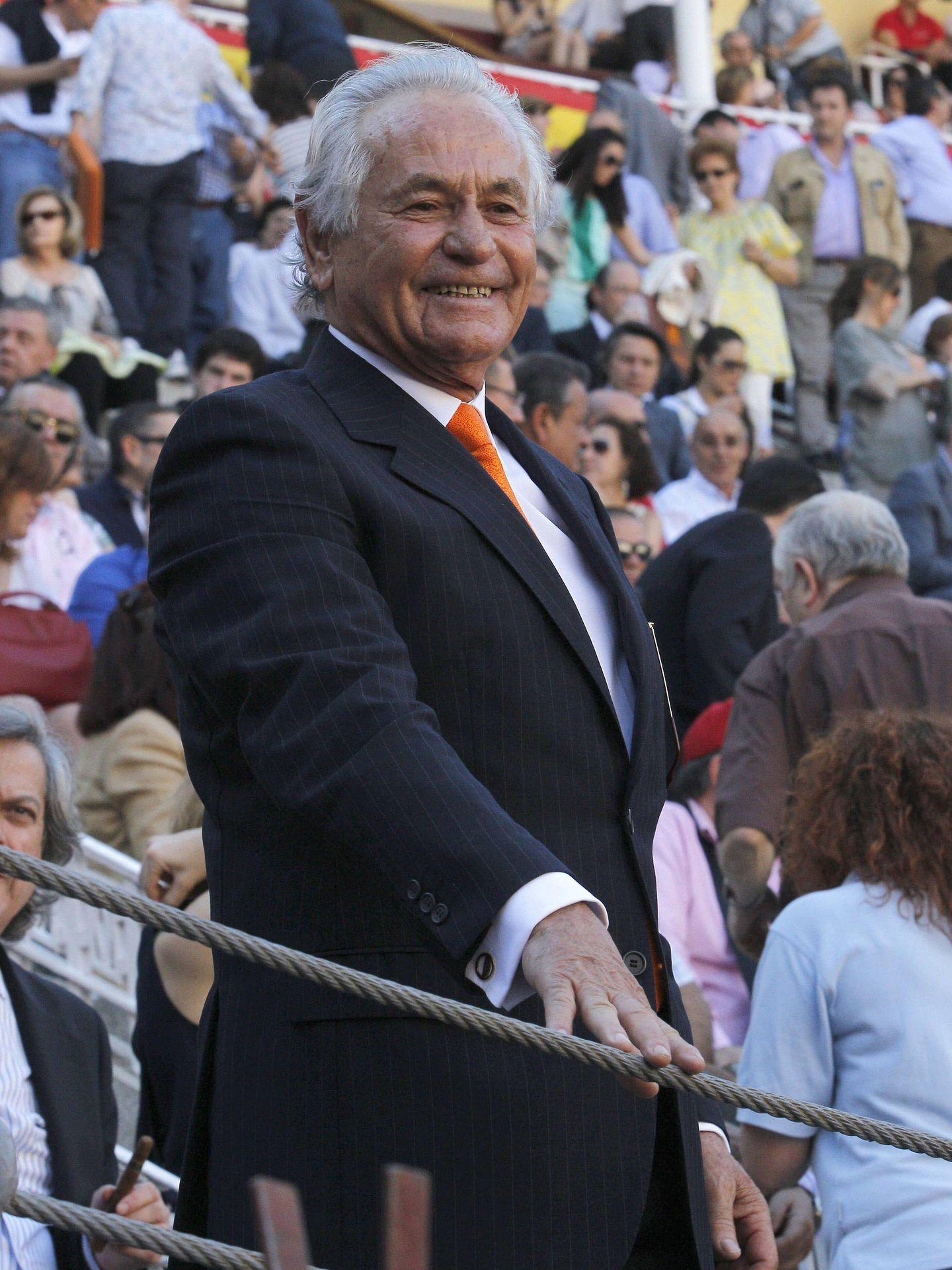 Palomo Linares, en la plaza como espectador. (EFE)