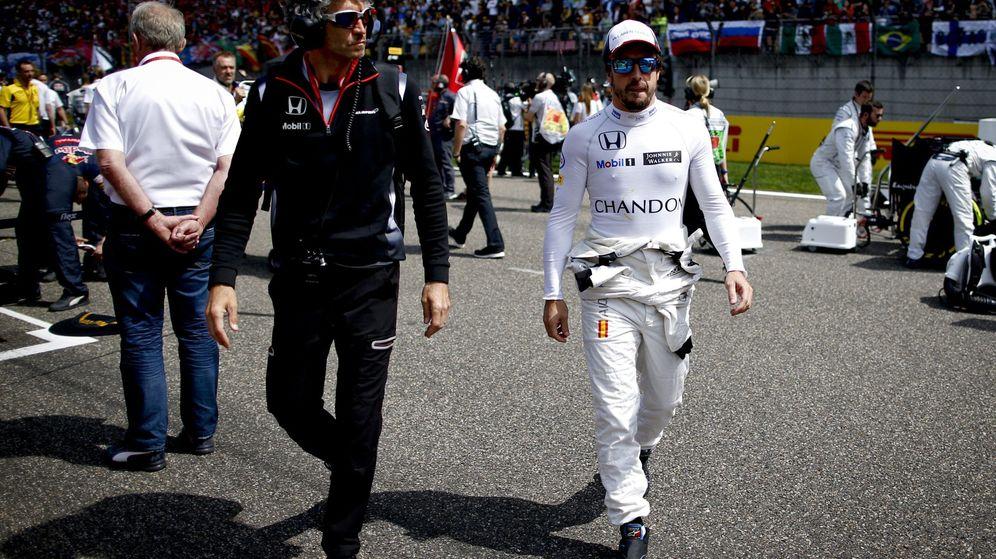 Foto: Los ingenieros de McLaren elogian a Fernando Alonso (Diego Azubel/EFE/EPA)