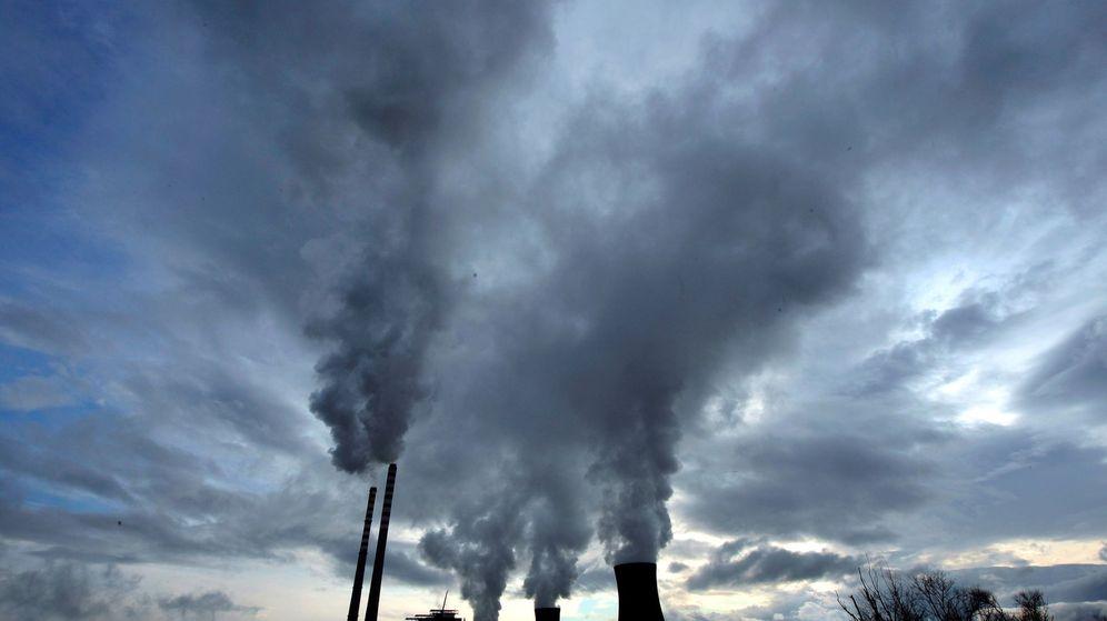 Foto:  Vista de una planta térmica de carbón. (EFE)