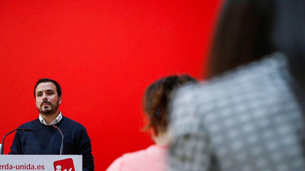 Foto: El coordinador federal de Izquierda Unida, Alberto Garzón, en una rueda de prensa en la sede de la fundación de Izquierda Unida-CEC. (EFE)