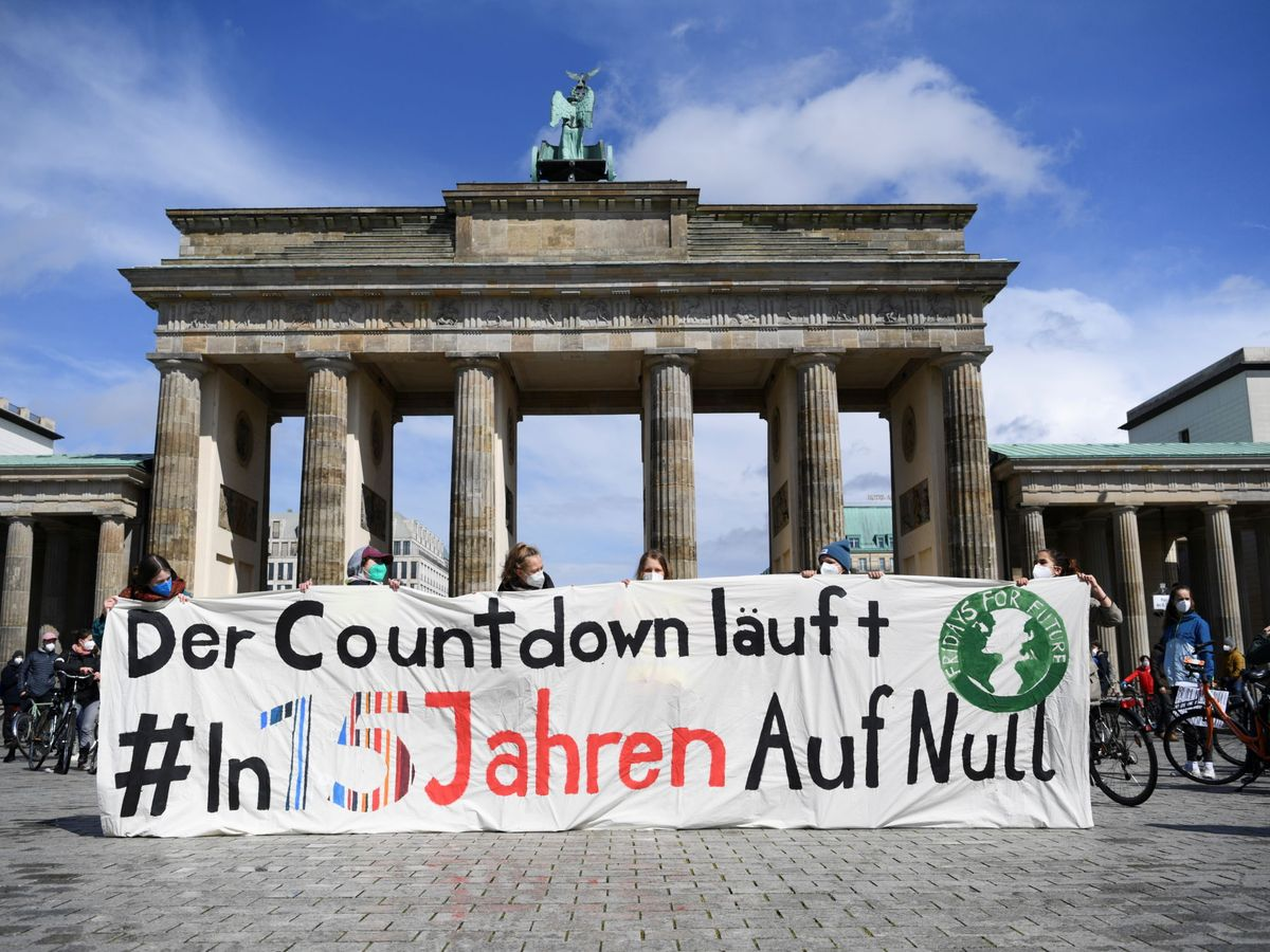 Foto: Protesta de Fridays for Future frente a la Puerta de Brandenburgo (Reuters/Annegret Hilse)