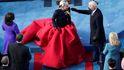 Mientras Occidente se emociona con Lady Gaga, China comienza el año del buey: hagan apuestas