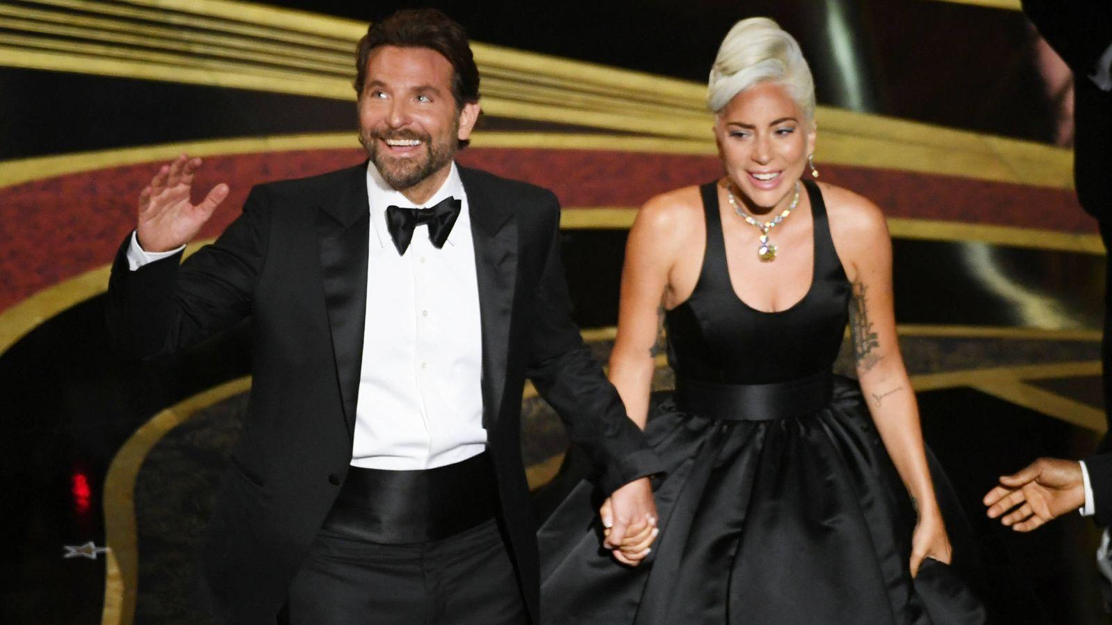 Foto: Bradley Cooper y Lady Gaga después de su actuación en la 91º Gala de los Premios Oscar. (Getty)