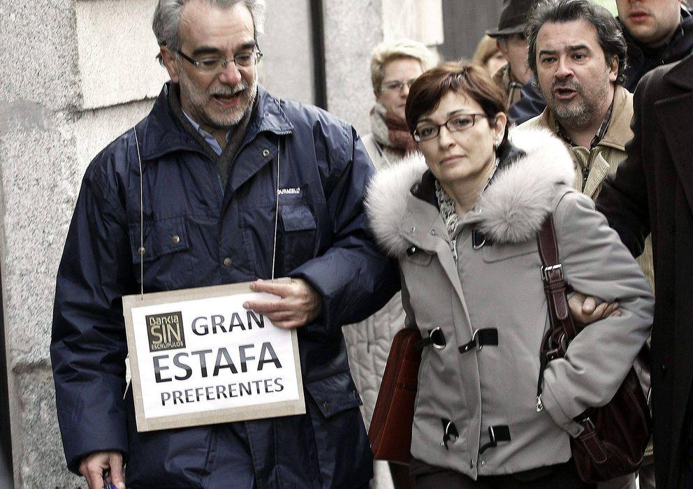 Foto: Araceli Mora, exconsejera de Bankia, en diciembre de 2012 tras declarar en la Audiencia Nacional (EFE)