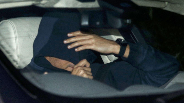 Foto: De esta guisa salió Mourinho de las oficinas del Chelsea (Reuters).