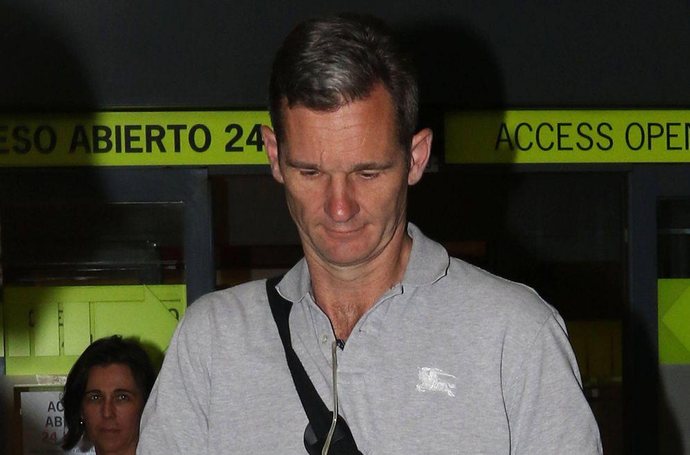 Foto: Urdangarin en el aeropuerto de Madrid. (Gtres)
