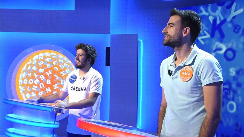 Orestes y Rafa, en 'Pasapalabra' durante su etapa en Telecinco. (Mediaset)