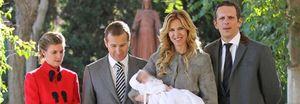 El apoyo popular a Blanca Cuesta y Alicia Sánchez Camacho en el bautizo del hijo de Alejandra Prat