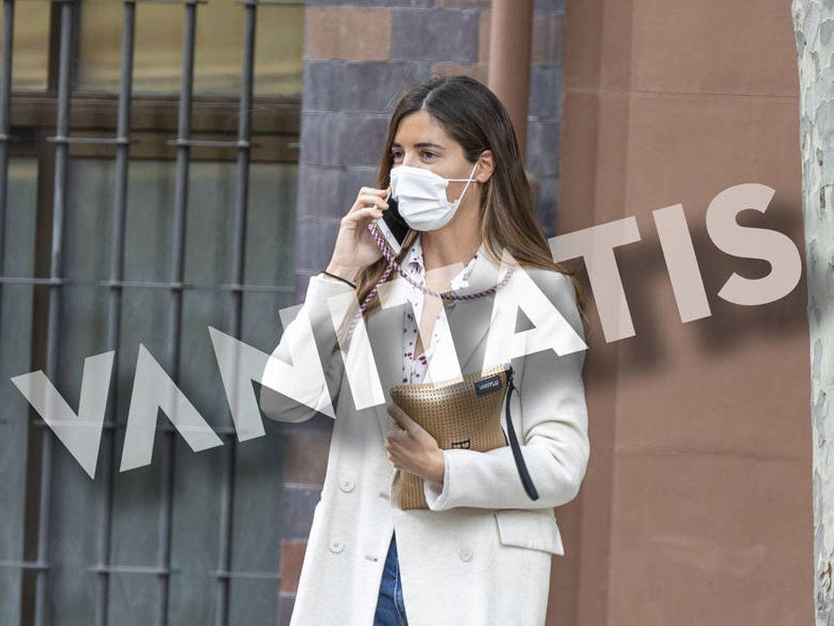Foto: Belén Corsini, en la puerta de su oficina en Madrid. (Clipper)