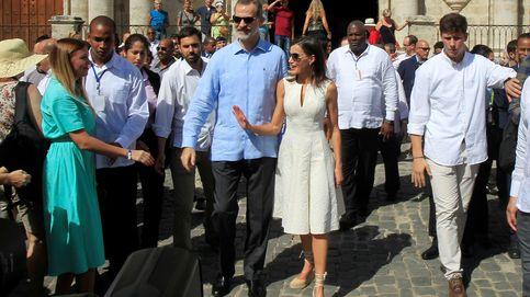Analizamos las gafas de sol de los Reyes: Felipe clásico y Letizia de rebajas