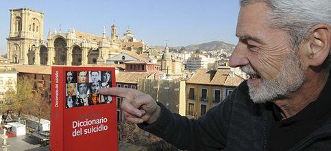 Carlos Janín recoge en 'Diccionario del suicidio' a los suicidas más célebres