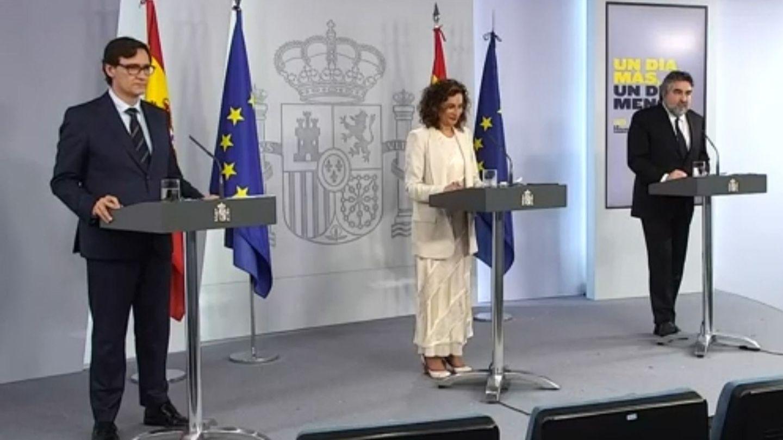 María Jesús Montero y los titulares de Sanidad y Cultura, durante la rueda de prensa. (EFE)