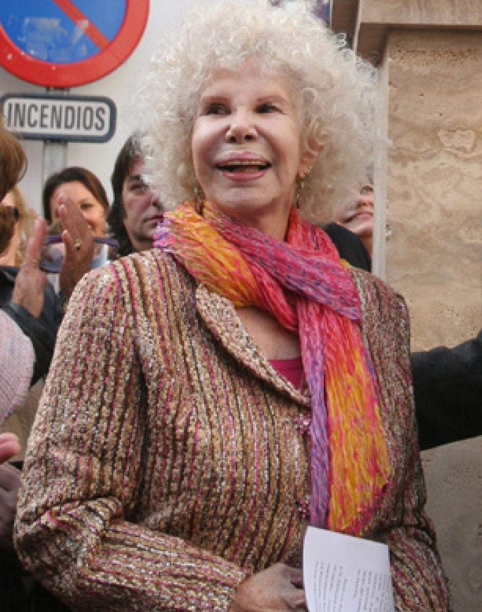 Foto: La duquesa de Alba, de mochilera en el Ampurdán