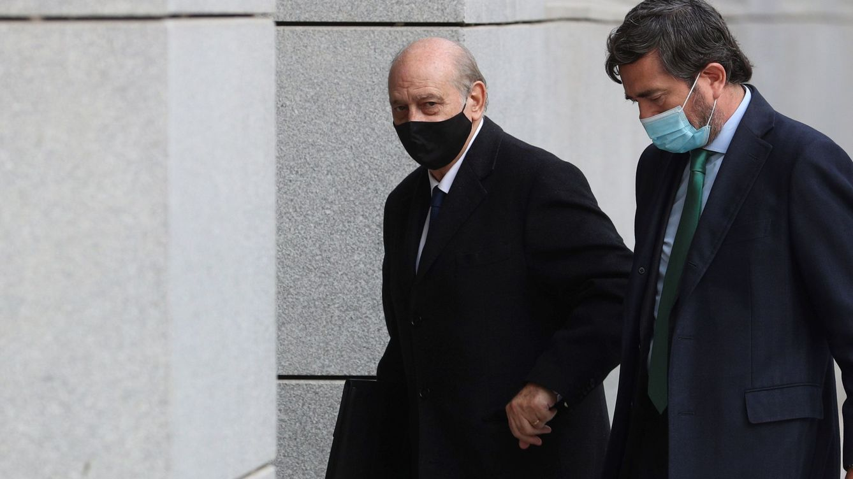 El juez cita a los notarios para verificar SMS de Kitchen que se achacan a Fernández Díaz