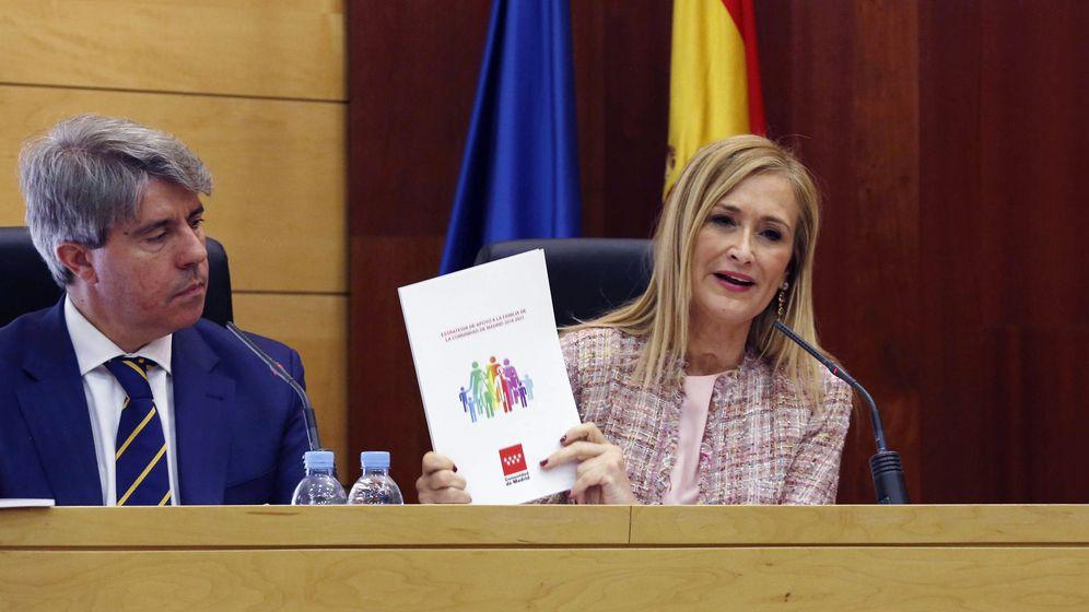 Foto: Cristina Cifuentes y su 'número dos' Ángel Garrido, presidente del Canal