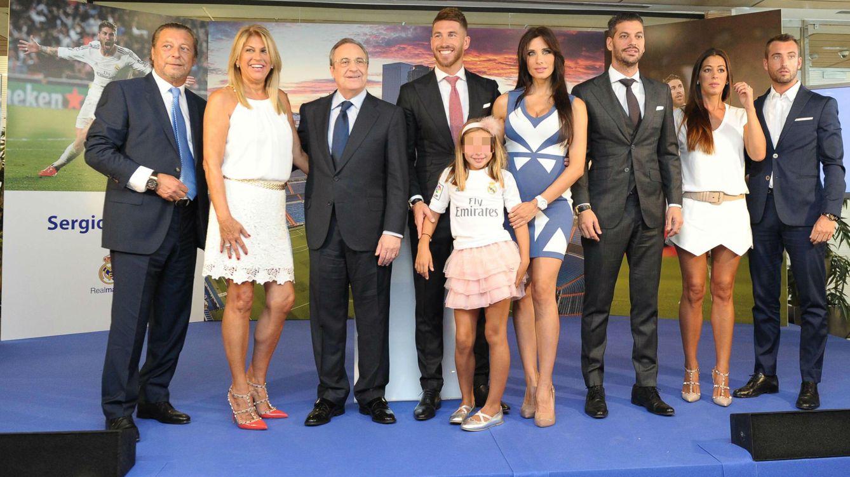 Foto: Sergio Ramos junto a su familia y Florentino Pérez