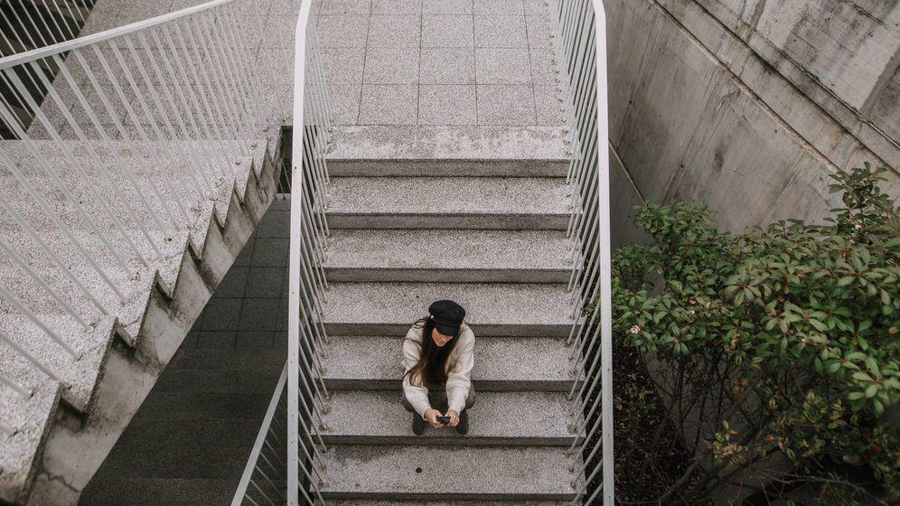 Foto: ¿Por qué nunca pensamos en una mujer joven cuando hablamos de pobreza? (Foto: iStock)