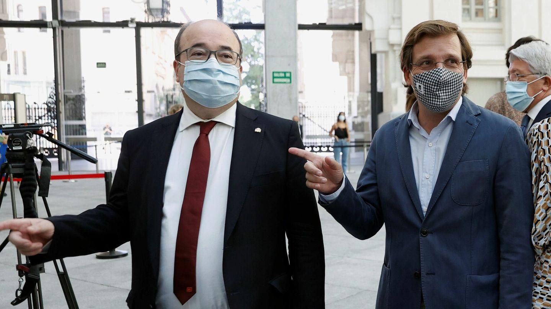 Miquel Iceta, en un reciente acto junto a José Luis Martínez-Almeida.