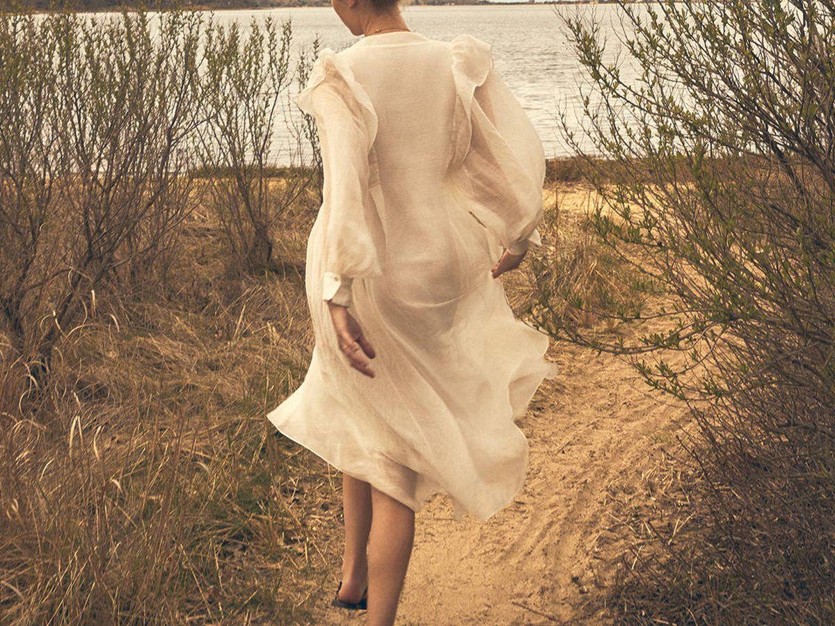 Foto: El nuevo vestido de Massimo Dutti. (Instagram @massimodutti)